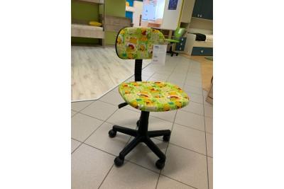 Otroški stol POOH zelen - zadnji kos